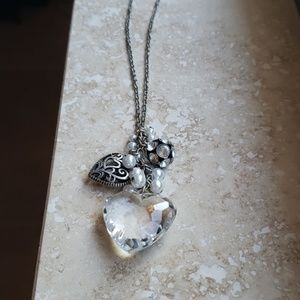 Jewelry - Faux crystal heart necklace
